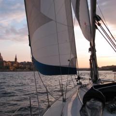 Barca a vela, veleggiare cullati dal vento