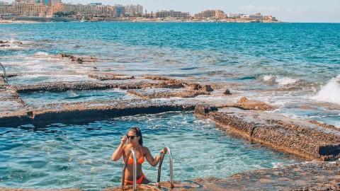 Alla scoperta delle piscine scavate nella roccia di Malta