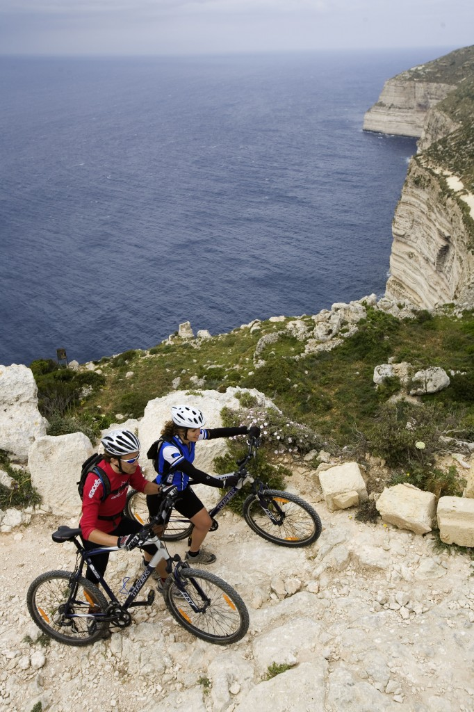In bici a Gozo, Malta