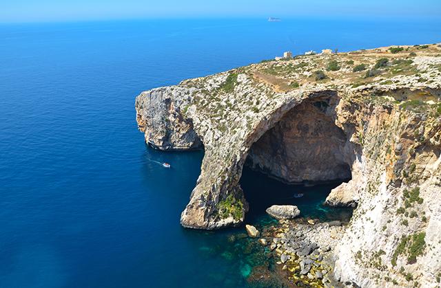 Alla scoperta della Blue Grotto, un tuffo nella natura di Malta