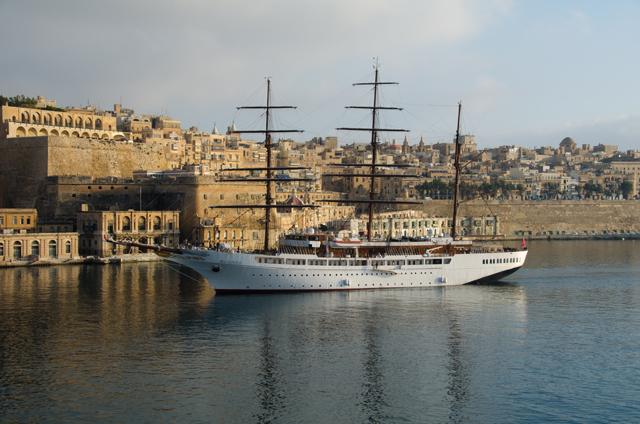 Piccola guida alle escursioni in barca a Malta