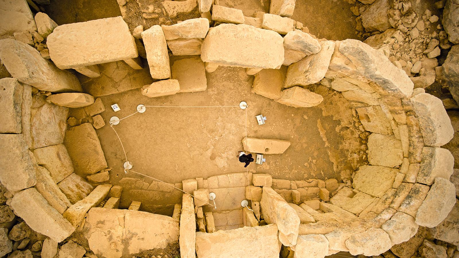 Valerio Massimo Manfredi a Firenze racconta la Malta archeologica